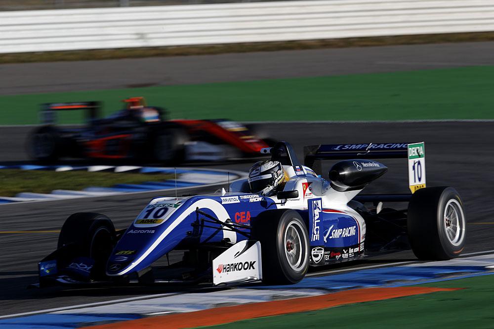 Роберт Шварцман_SMP Racing_Euro F3.jpg